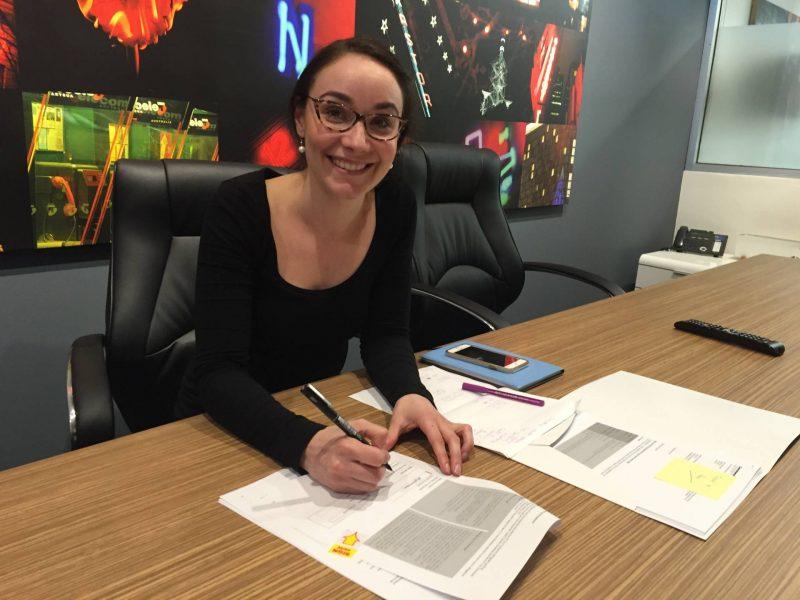 Mel signing